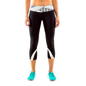 Lululemon Run: Inspire Crop Black/White Stripes